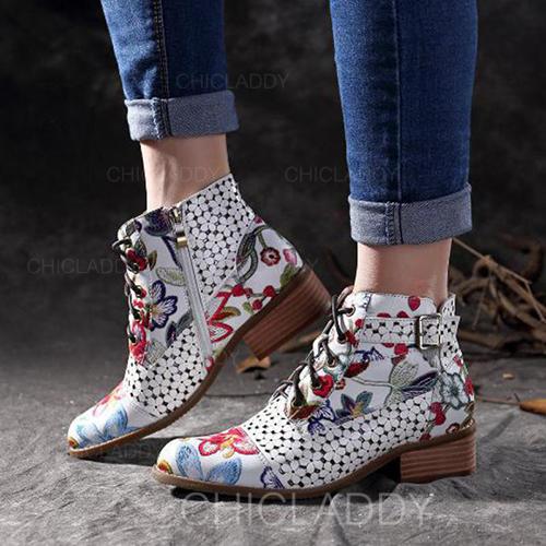 Mulheres PU Sem salto Sem salto Fechados Botas Botas na panturrilha com Fivela Zíper Aplicação de renda sapatos