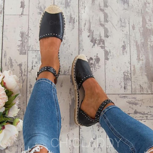 Women's Leatherette Flat Heel Sandals With Buckle shoes