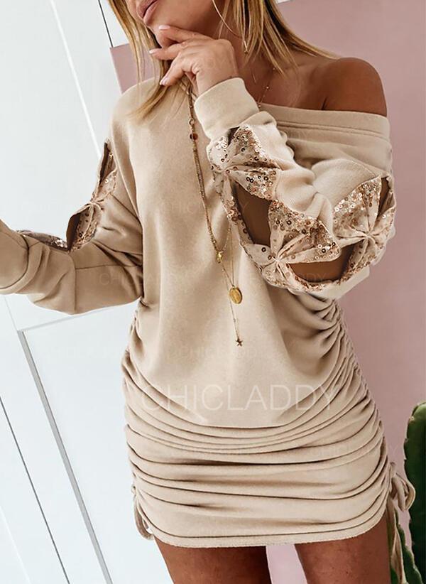 Flitry/Pevný Dlouhé rukávy Přiléhavé Nad kolena Neformální Šaty
