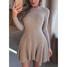 Düz / Tek (Renk) Kulatý krk Neformální Dlouhé Svetrové šaty