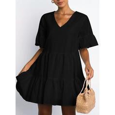 Jednolita Krótkie rękawy/Rozkloszowane rękawy Koktajlowa Nad kolana Mała czarna/Casual Tunika Sukienki