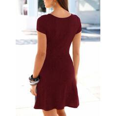 Jednolita Krótkie rękawy W kształcie litery A Nad kolana Casual Łyżwiaż Sukienki