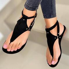 Kvinnor PU Flat Heel Sandaler Platta Skor / Fritidsskor Peep Toe Flip Flops med Nita Ihåliga ut skor