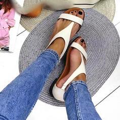 De mujer PU Tacón plano Sandalias Planos Encaje Pantuflas Anillo del dedo del pie Encaje con Hebilla Color sólido zapatos