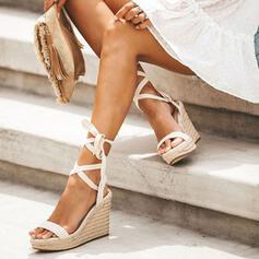 Kvinnor PU Kilklack Sandaler Peep Toe med Bandage skor