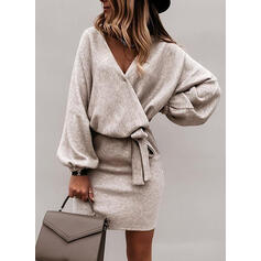Pevný Dlouhé rukávy Přiléhavé Nad kolena Malé černé/Elegantní Šaty