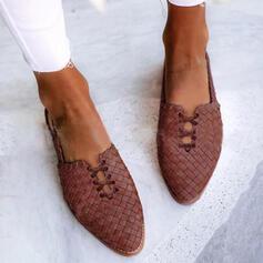 Kvinnor PU Flat Heel Platta Skor / Fritidsskor med Bandage Flätad rem Solid färg skor