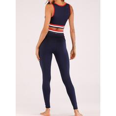 Cuello en U Sin mangas A rayas Leggings deportivos Sujetadores deportivos Conjuntos de yoga