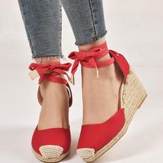 Γυναίκες PU Γωνία κλίσης Κλειστά παπούτσια Με Κέντημα-επάνω παπούτσια