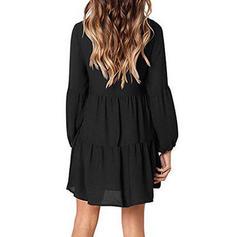 Couleur Unie Manches Longues Droite Au-dessus Du Genou Vintage/Petites Robes Noires Robes