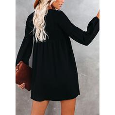 Krajka/Pevný Dlouhé rukávy/Rukávy do zvonu Splývavé Nad kolena Malé černé/Elegantní Šaty