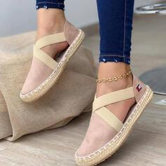 Kvinnor PU Flat Heel Platta Skor / Fritidsskor Låg topp rund tå Slip On med Bandage Kors och tvärs skor