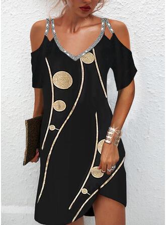 印刷 スパンコール 半袖 冷たい肩の袖 シフトドレス 膝上 エレガント ドレス