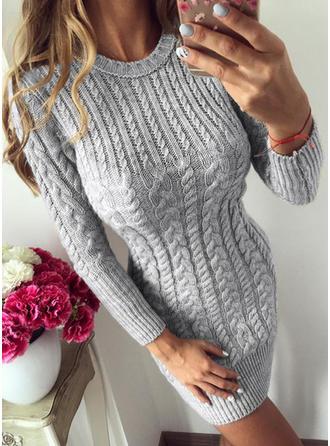 Sólido Punto De Cable Cuello Redondo Vestido de Suéter
