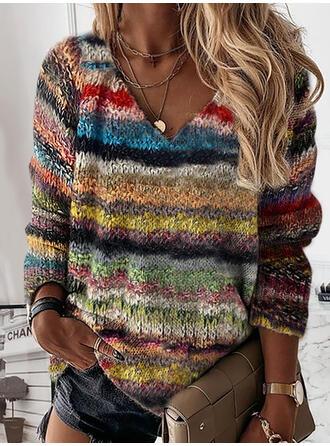 縞模様の Vネック カジュアル セーター