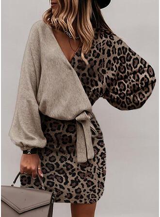 λεοπάρδαλη Hosszú ujjú Testre simuló ruhák Térd feletti Elegáns φορέματα