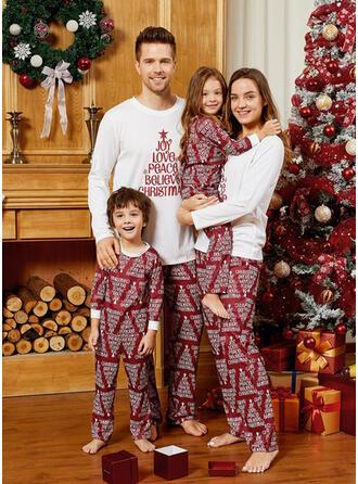 Letter Familie Matchende Jul Pyjamas