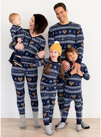 Inmprimé Tenue Familiale Assortie Pyjama De Noël