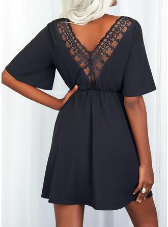 Sólido Mangas 1/2 Vestido línea A Sobre la Rodilla Pequeños Negros/Casual Vestidos