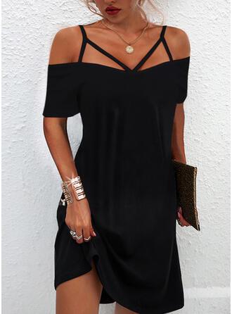 固体 半袖 冷たい肩の袖 シフトドレス 膝上 リトルブラックドレス/カジュアル ドレス