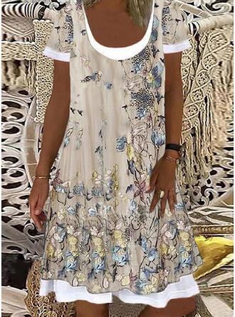 Tisk/Květiny/Animal Print Krátké rukávy Šaty Shift Délka ke kolenům Neformální/Dovolená Tunika Šaty